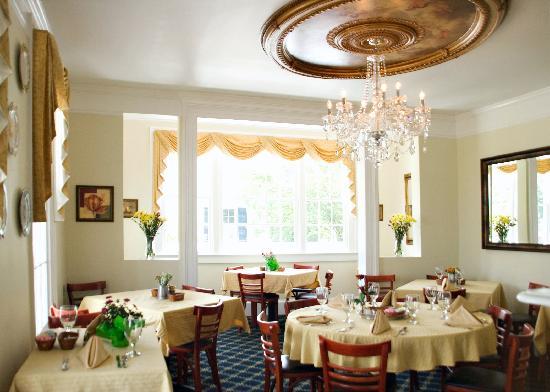 Kilmarnock Inn: The dining room