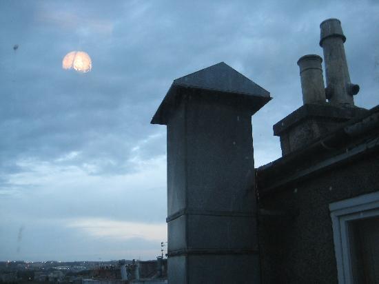 Highland Hotel: Stinking chimney
