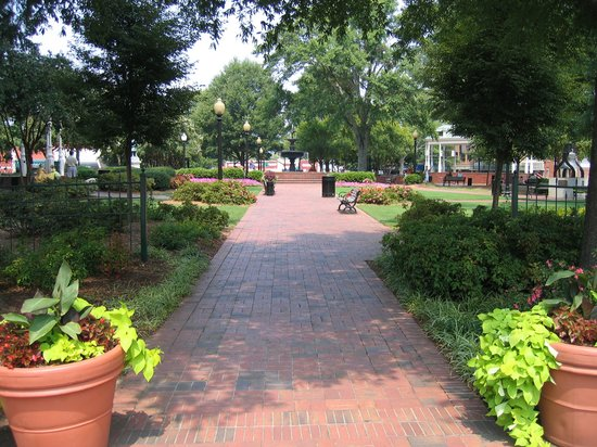 Marietta, Georgien: Park in the center of the Square
