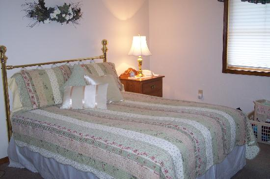 Red Bud Cove Bed and Breakfast Suites : our suite