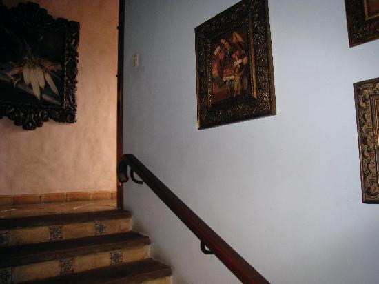 La Casa Rosada: Stairs to 2nd floor