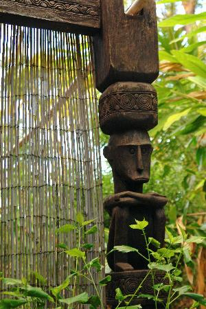 Mai Tai Resort: Sculpture on our terrace