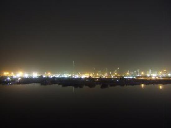 Crowne Plaza Dubai Festival City: night-time view