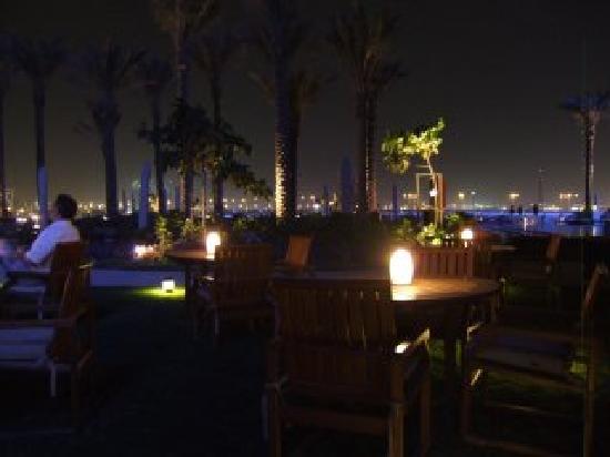 Crowne Plaza Dubai Festival City: coffee time