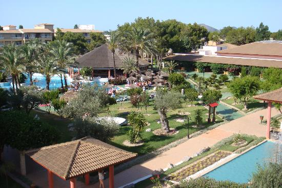 Prinsotel La Dorada: View from balcony overlooking pool area