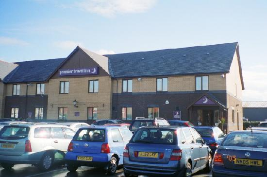 Premier Inn Blackpool Airport Hotel: Front of the Premier Travel Inn