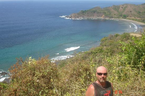Shaka Beach Retreat: Overlook at quad stop