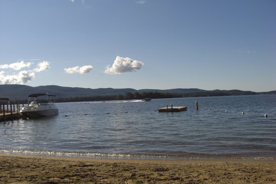 Diamond Point, estado de Nueva York: Lake George morning at the Juliana