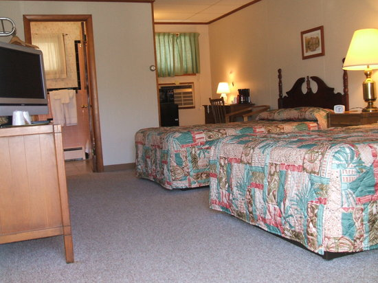 Granby Motel: room