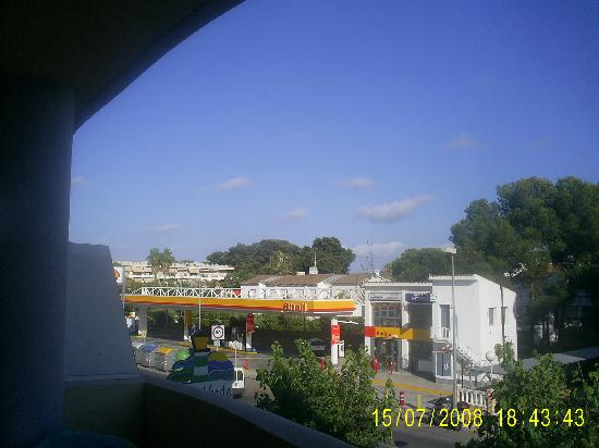 Rentalmar Costa Verde : lovely view of the petrol station from room