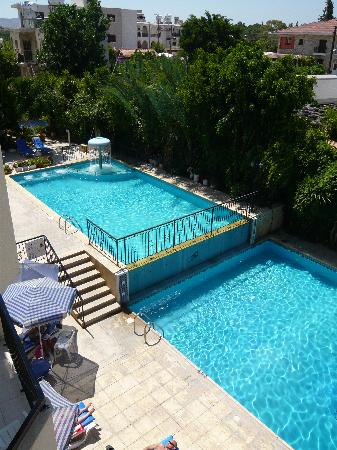 Mariela Hotel Apartments : The pools at Mariella