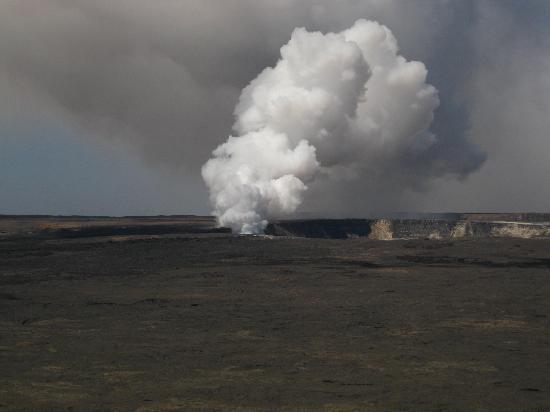 Vavoom Volcano Tours: The Kilauea caldera