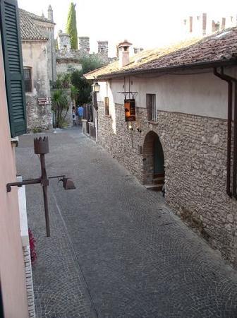 Hotel degli Oleandri: vue de la chambre d'hôtel