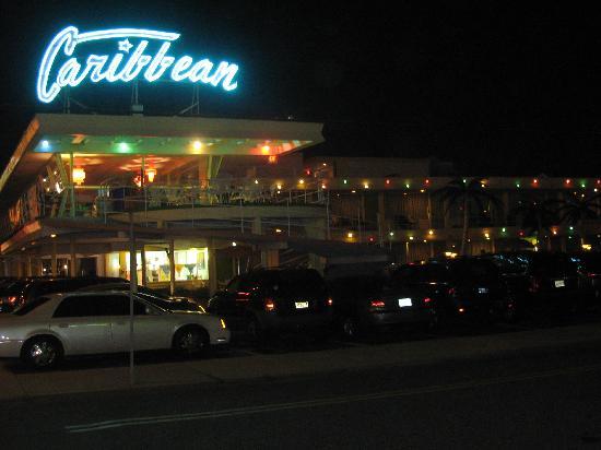 Caribbean Motel: Hotel le soir