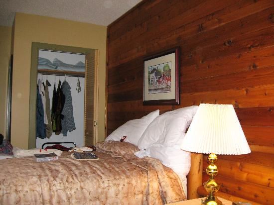 Bras d'Or Lakes Inn: Our Room