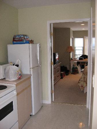 Buena Vista by the Sea: From the Front door you walk into the kitchen
