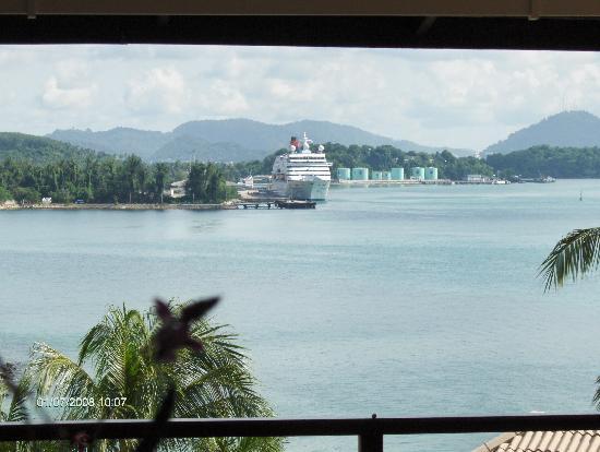 Cape Panwa Hotel: View at breakfast