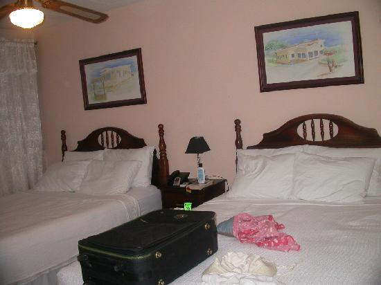‪‪Managua Hills Bed and Breakfast‬: Very clean double bed room we stayed in‬