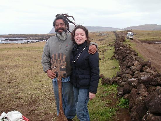Chez Cecilia: Con un artesano Rapa Nui