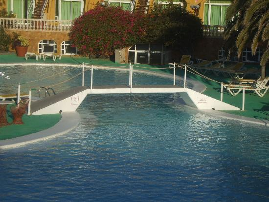Aparthotel Horizonte Bay : pool view2
