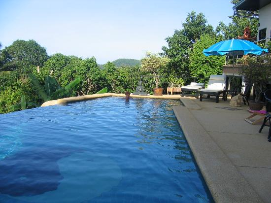 Pema Djougne : la piscine
