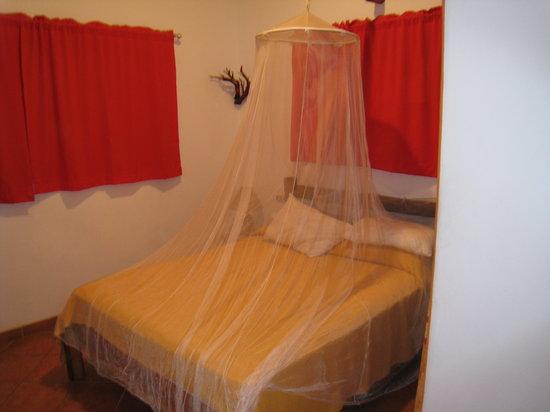 Villas Pepitas: Bedroom (with A/C!!)