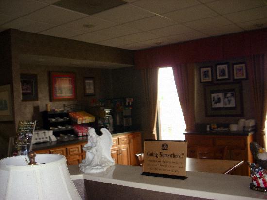 Quality Inn: The lobby