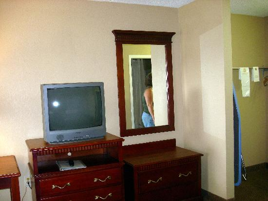 Quality Inn: The TV & dresser