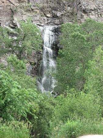 Chief Motel: Bridal Veil Falls, Spearfish Canyon