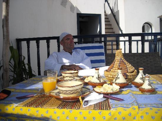 Riad l'Ayel d'Essaouira : breakfast on the terrace