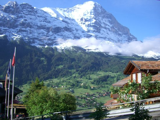 Bernese Oberland, Sveits: The view of Mount Eiger from Eigerblick Hotel