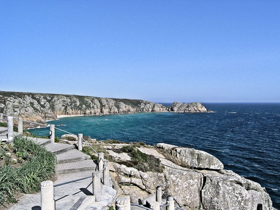 ‪‪Minack Theatre‬: Logan Rock from Minack‬