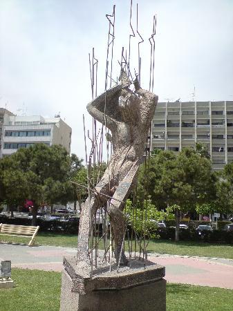 Cyprus: molos sculpture park - Limassol