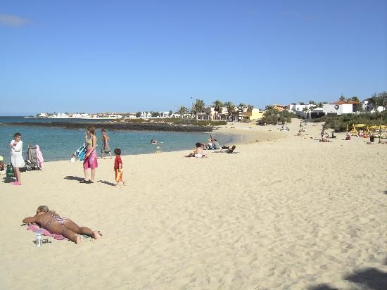 Fustes, Spanje: what a beautiful beach! This is one of the beaches up the north of the Island