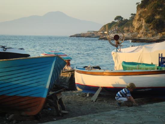 Hotel Dania : marina de puglio