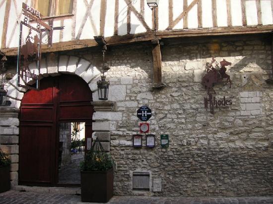 La Maison de Rhodes: Hotel entrance
