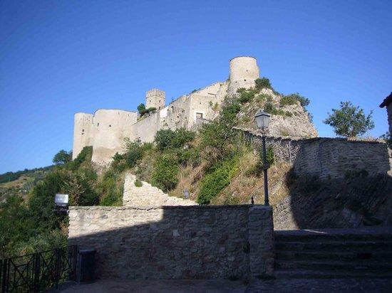 Bomba, Italie: Roccascalegna