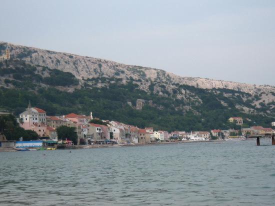 Corinthia Baska Hotel: Vista di Baska Paese
