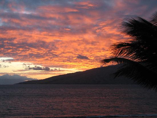 Menehune Shores: sunset from lanai