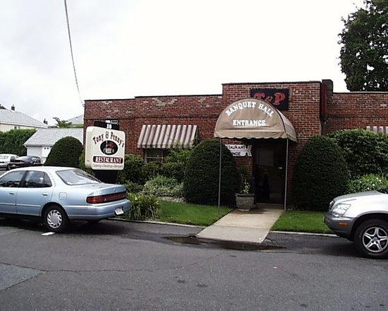 Tony & Penny's Restaurant: Tony & Penny's front