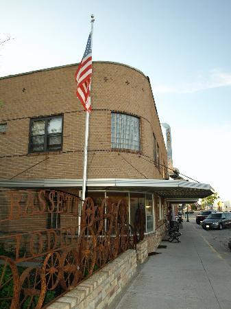 Bassett Lodge: External pic 2