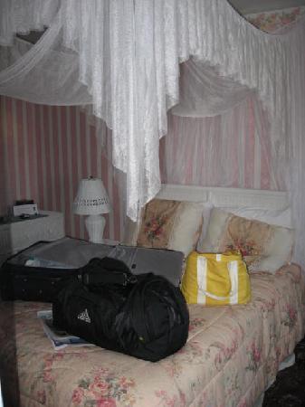 Hotel Macomber: Room1