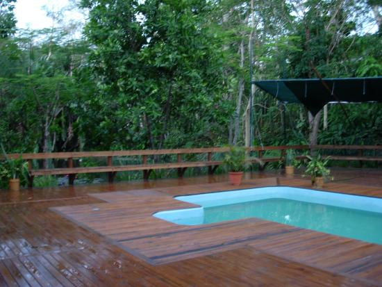 Colo I Suva Rainforest Eco Resort: pool area