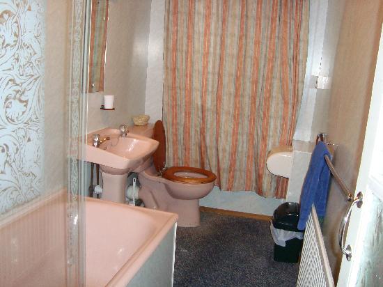 The D Hotel Chester: Bathroom
