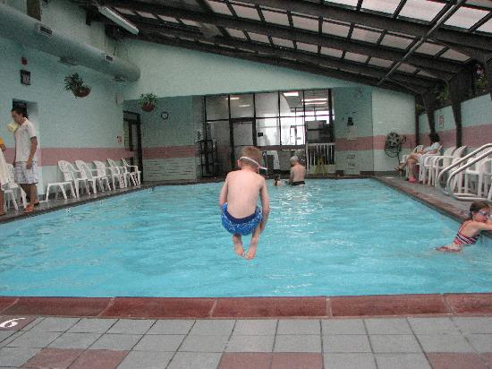 Barclay Towers Resort Hotel: pool