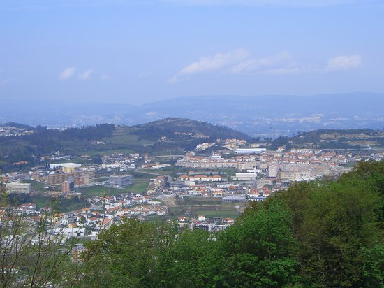 Μπράγκα, Πορτογαλία: The view from Bom Jesus across Braga