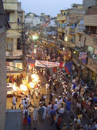 New Delhi, India: Street festival in Parah Gang, Delhi