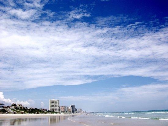 Παραλία Daytona, Φλόριντα: Sunny Day in Daytona Beach