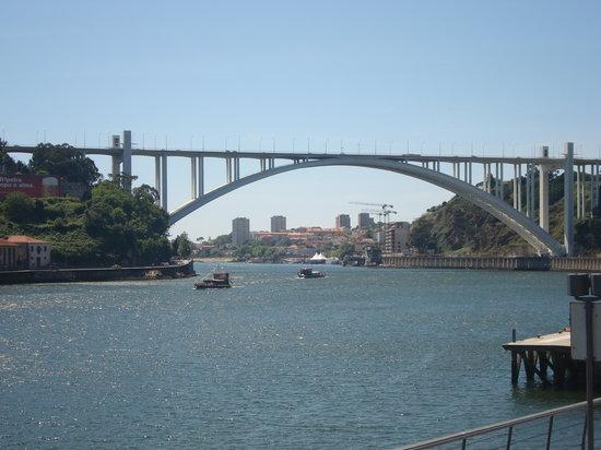 Porto, Portugalia: Ponte Arrábida
