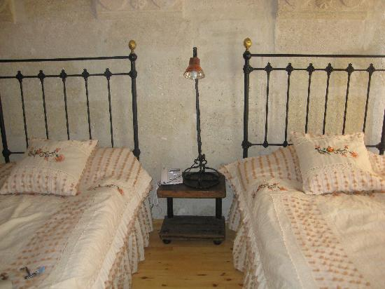 Aydinli Cave House Hotel : lovely beds